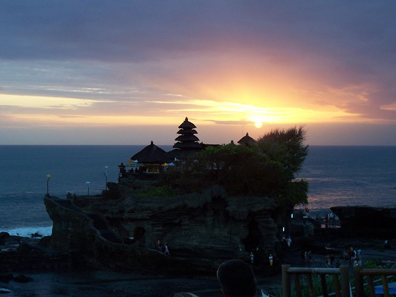 Pura_tanah_lot_sunset_no3